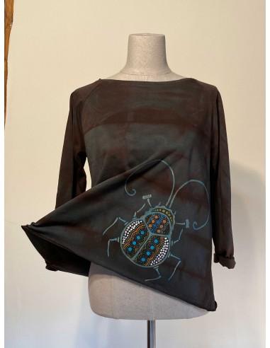 Camiseta acampanada manga larga - Pintura VACALOURA sobre color gris óxido